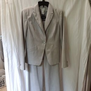 Worthington stretch heather gray pant suit. Size 4